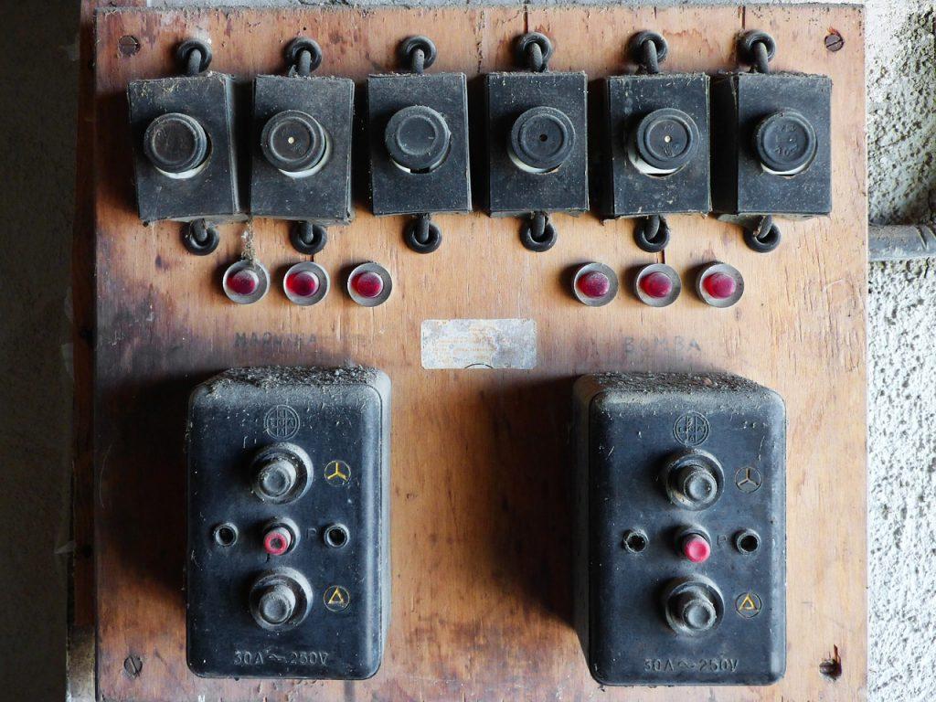 Cuadro eléctrico antiguo