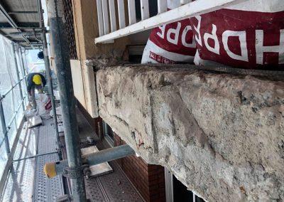 Balcón antes del arreglo de forjado
