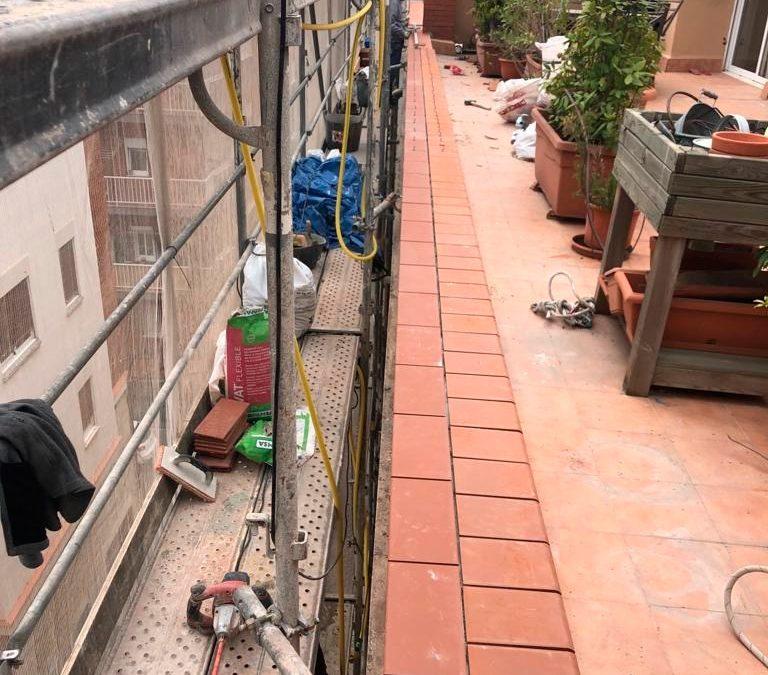 Proceso de instalación de Cornisas en Edificios de Barcelona