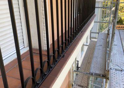 Fijación de Barandillas para fachada