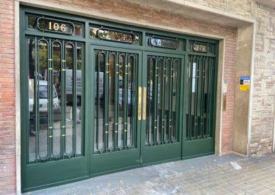 puertas para comunidad de vecinos
