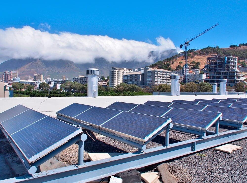 placas fotovoltaicas en tejado